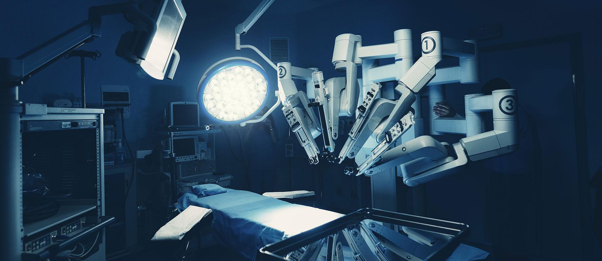 Roboter im OP-Saal